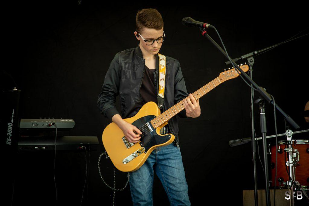 Erik Gilles - Gitarre, Gesang